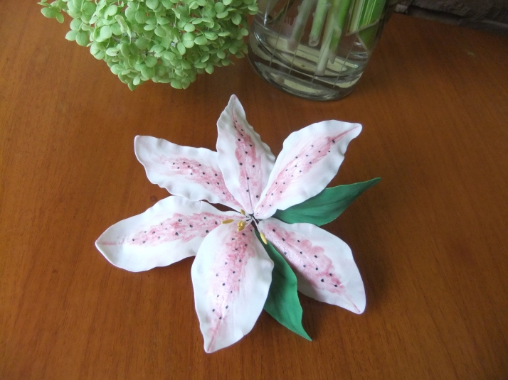 Gum-Paste Stargazer Lily