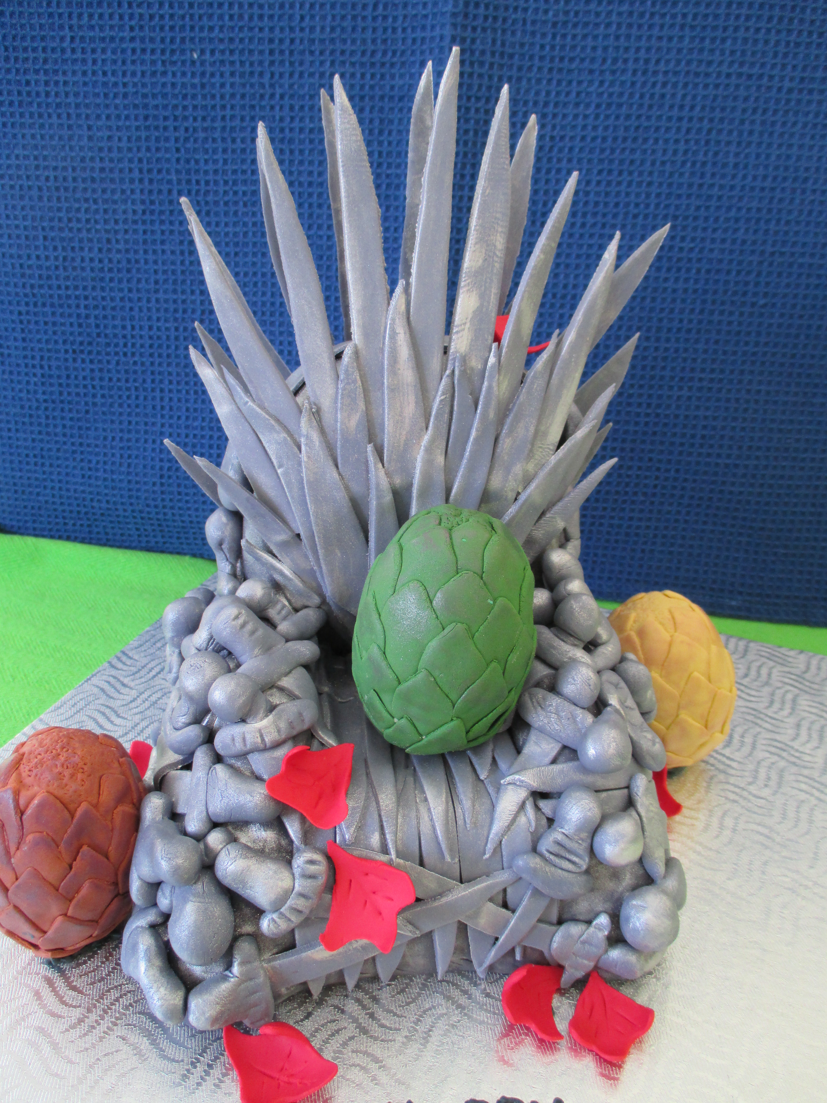 Game of thrones chair cake - Game Of Thrones Iron Throne Cake